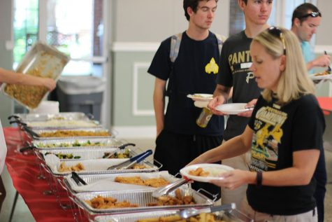 E-Board hosts first school year's gold card lunch