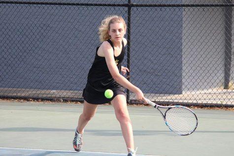 Girls tennis beats Steinbrenner