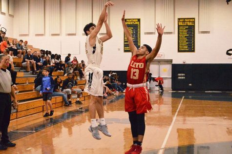 JV boys basketball victorious against Newsome, Strawberry Crest