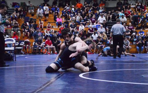 Boys wrestling takes on county championship