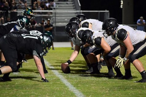 Varsity football shuts out Sickles