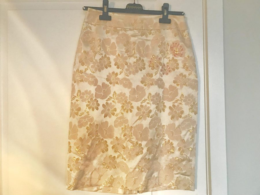 Thrift stores carry many wonderful timeless clothing pieces for reasonable prices. This floral skirt featured above was purchased from the thrift store Avalon in Savannah, Georgia originally from Banana Republic.