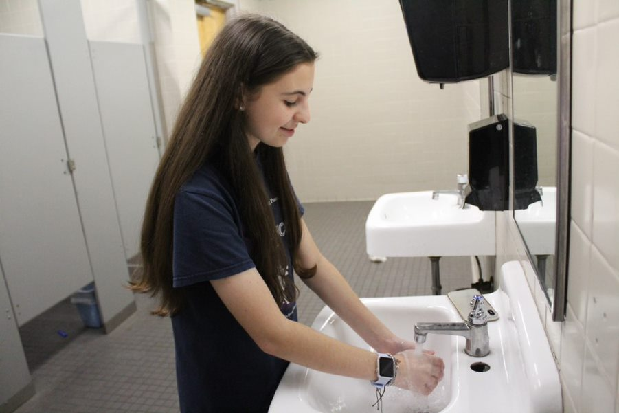 With fears of coronavirus spreading, sophomore Mariah Alvarez demonstrates proper handwashing technique. Multiple cases of the virus have been reported in both Florida and Hillsborough County.