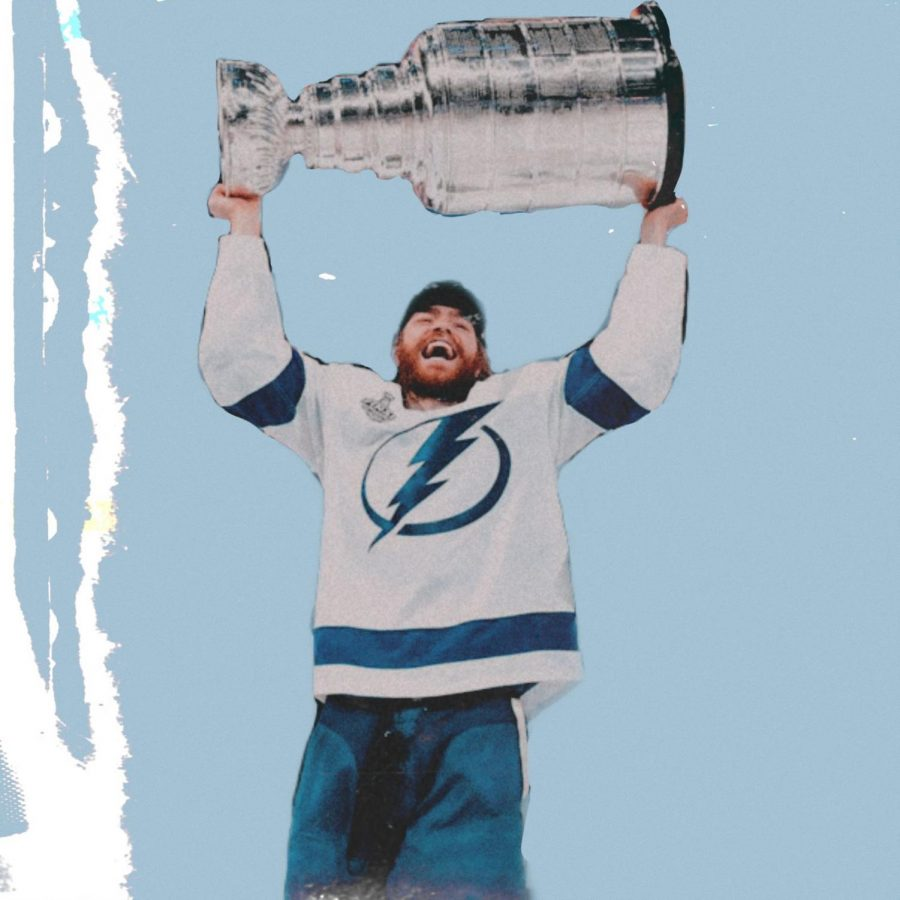 Forward+Brayden+Point+lifts+the+Stanley+Cup+Trophy+with+the+success+of+winning+the+playoffs+for+the+first+time+since+2004.+The+Tampa+Bay+Lightning+defeated+the+Dallas+Stars+in+a+4-2+series+win+finishing+Game+6+with+a+score+of+2-0.++